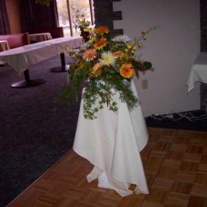 CASCADING TABLE ARRANGEMENT