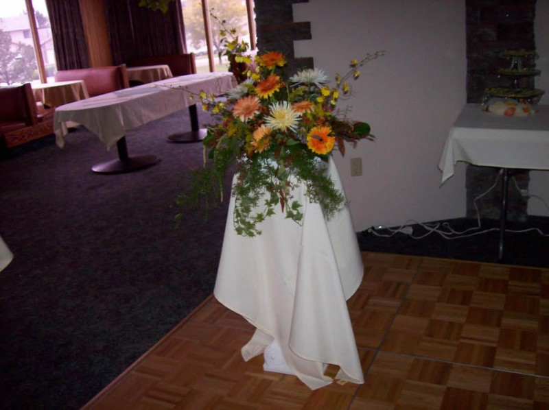 1091 CENTERPIECE ORANGE/WHITE