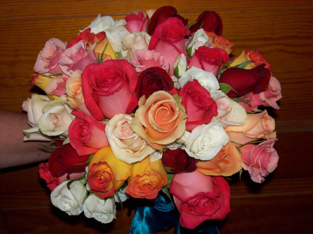 1263 MIXED COLOR ROSE BOUQUET