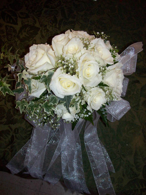 1107 WHITE ROSE BOUQUET