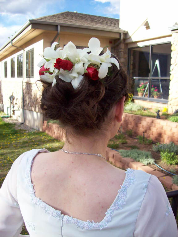 1071 WHITE ORCHID,RED ROSE HAIR PIECE