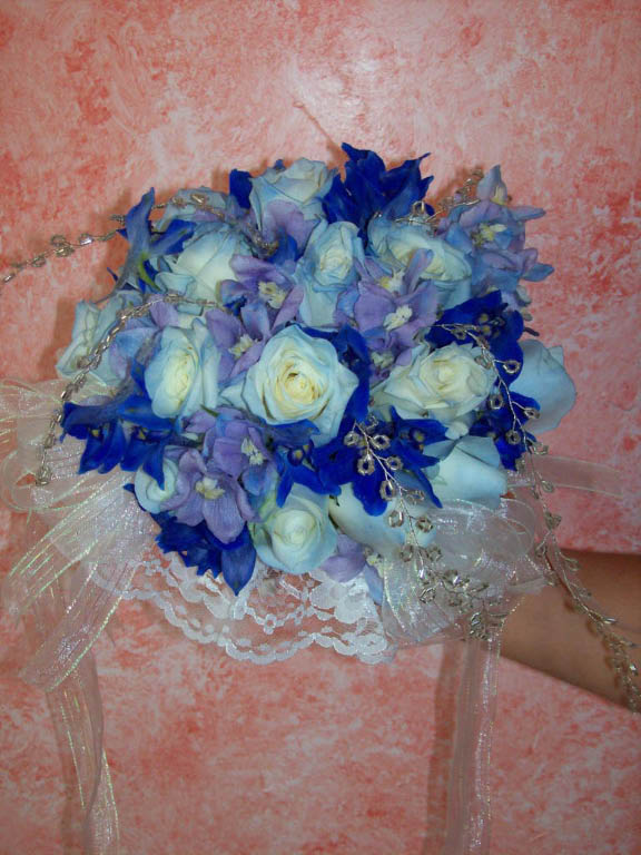 BRIDESMAID BLUE/WHITE BOUQUET