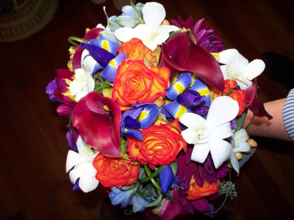 BURGANDY CALA,CIRCUS ROSE,IRIS,ORCHIDS & DAHLIA