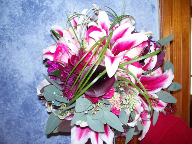 1281 PINK & BURGUNDY BOUQUET
