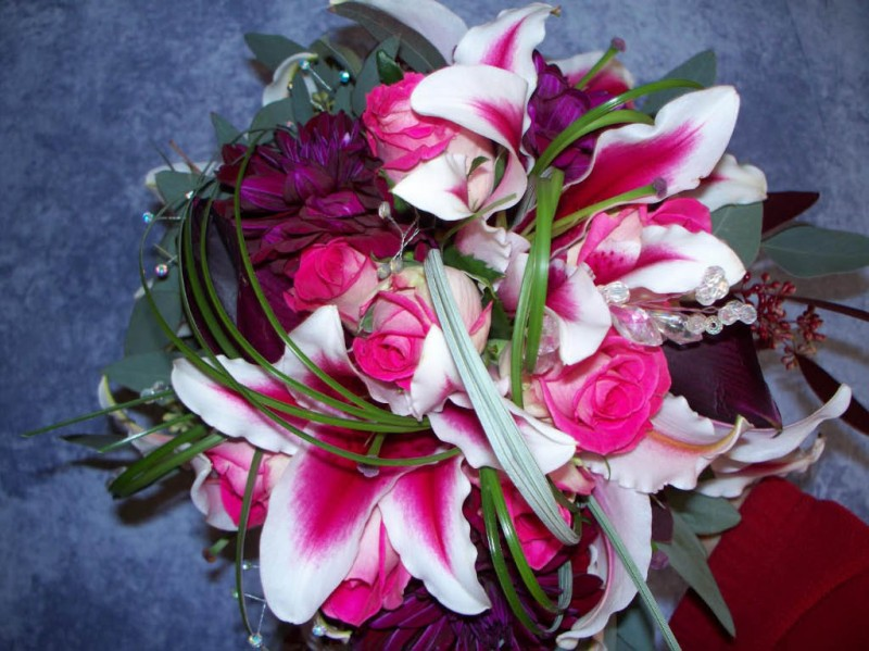 PINK & BURGANDY BOUQUET