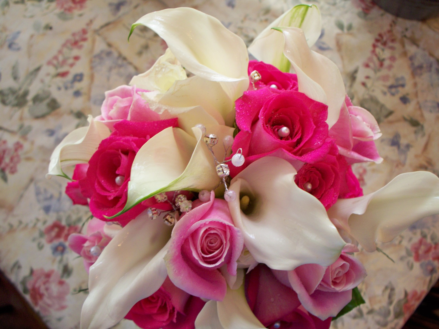 1313 WHITE CALA / PINK ROSE BOUQUET