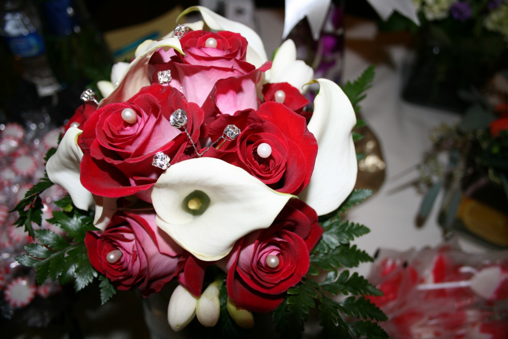 932 EXOTIC CALA RED ROSE BOUQUET