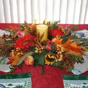 THANKSGIVING CENTER PIECE