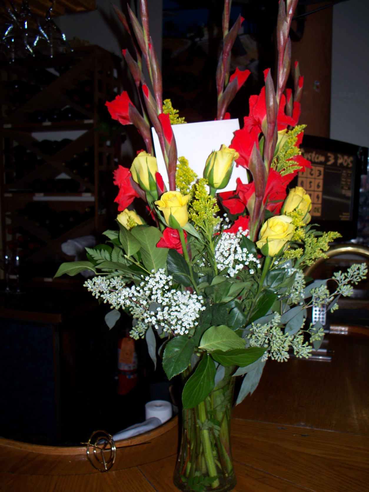 DOZEN YELLOW ROSES & RED GALDS