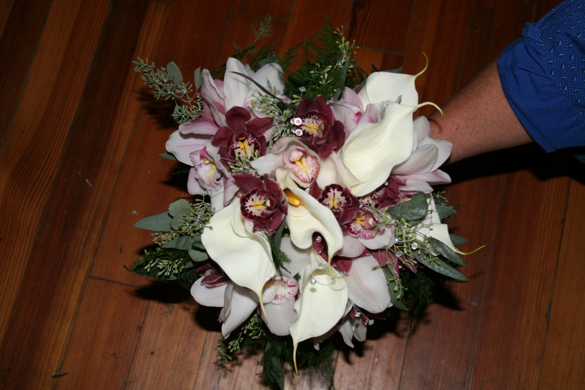 832 BRIDES BOUQUET CALAS & ORCHIDS
