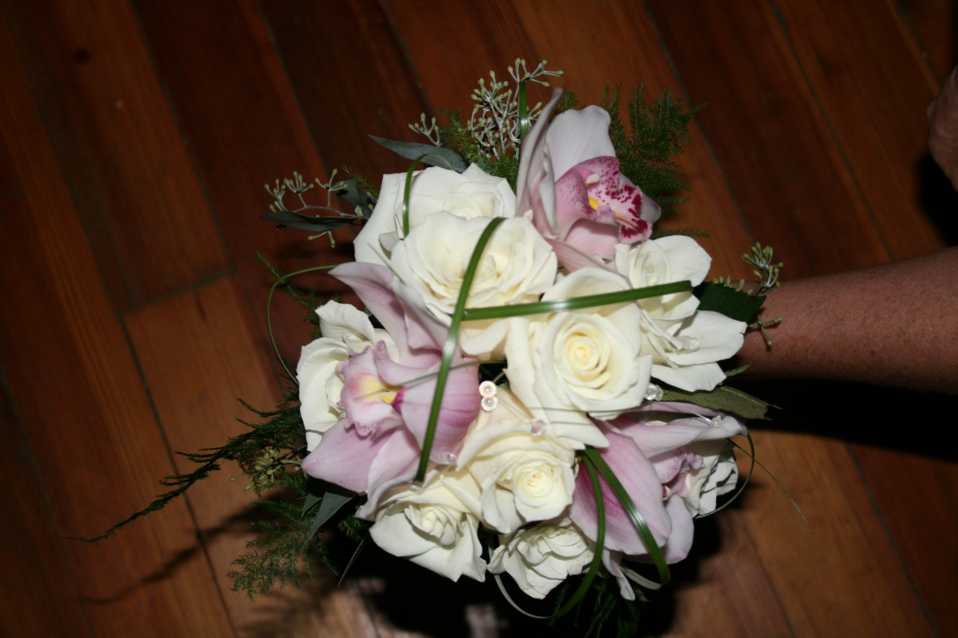829 BRIDESMAID BOUQUET WHITE/PINK