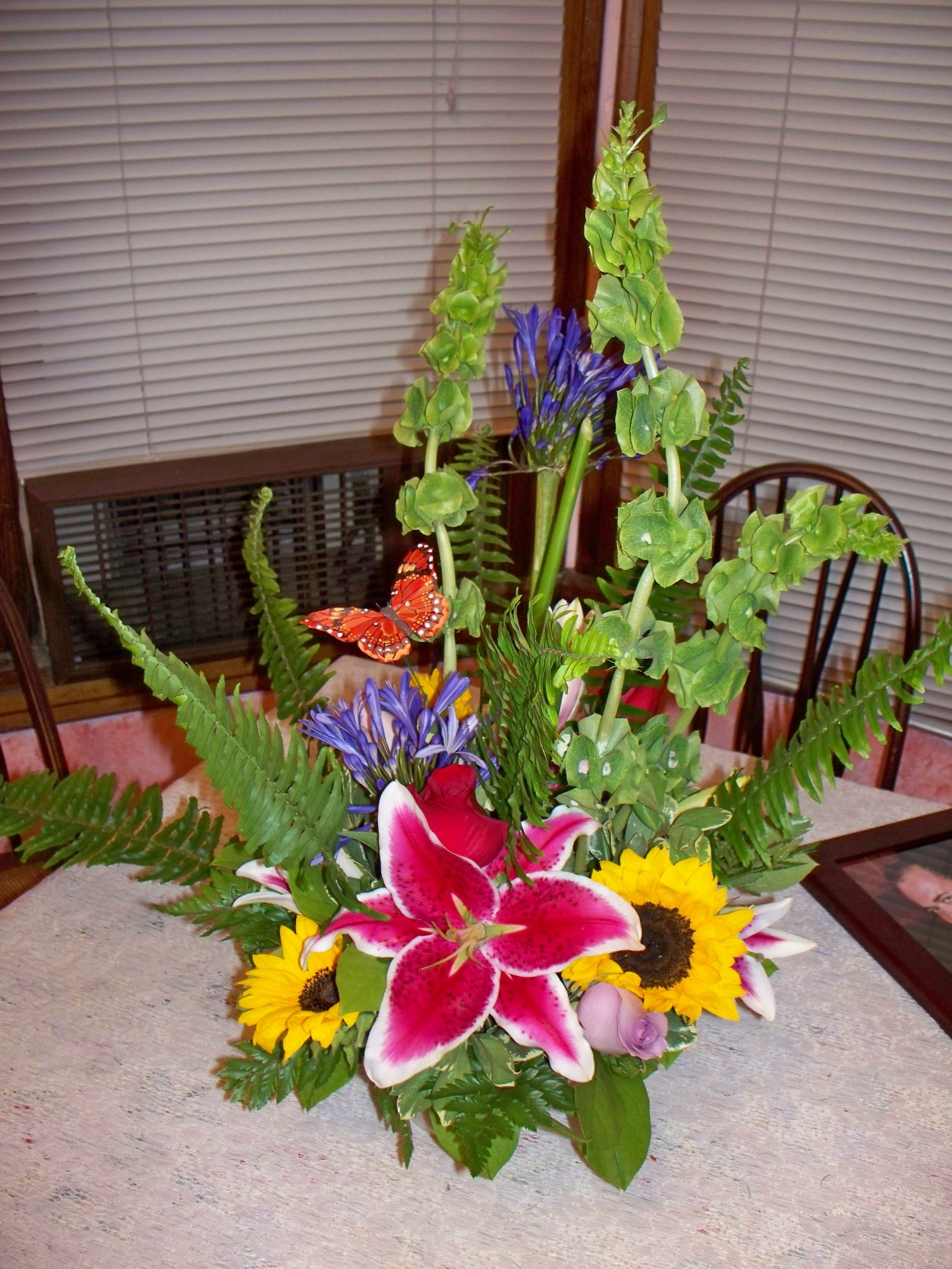 STARGAIZER & SUNFLOWER ARRANGEMENT