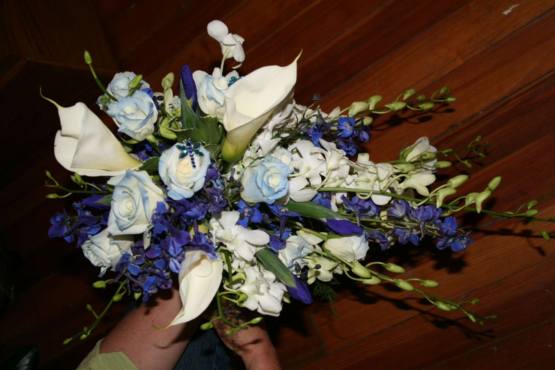 779 BLUE & WHITE CASCADING BOUQUET
