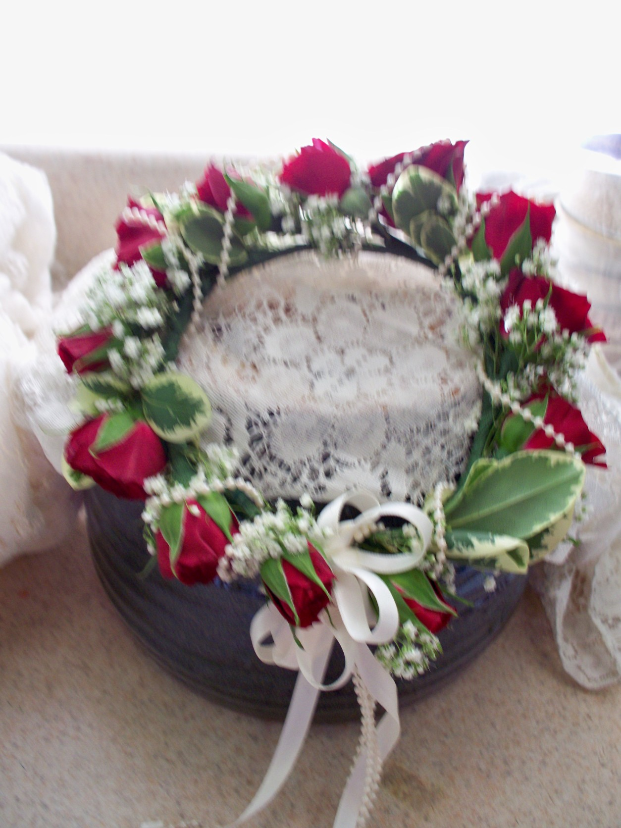 FLOWER GIRL HEAD PIECE RED/WHITE