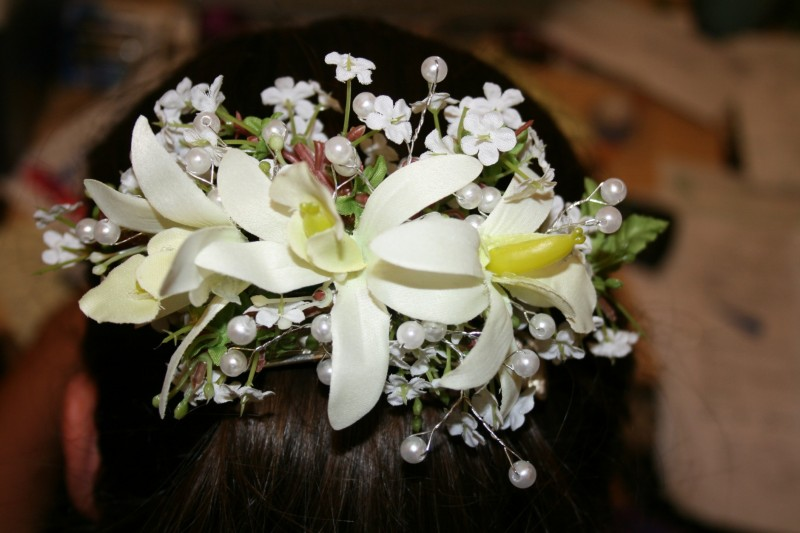 1291 WHITE SILK ORCHID HAIR PIECE