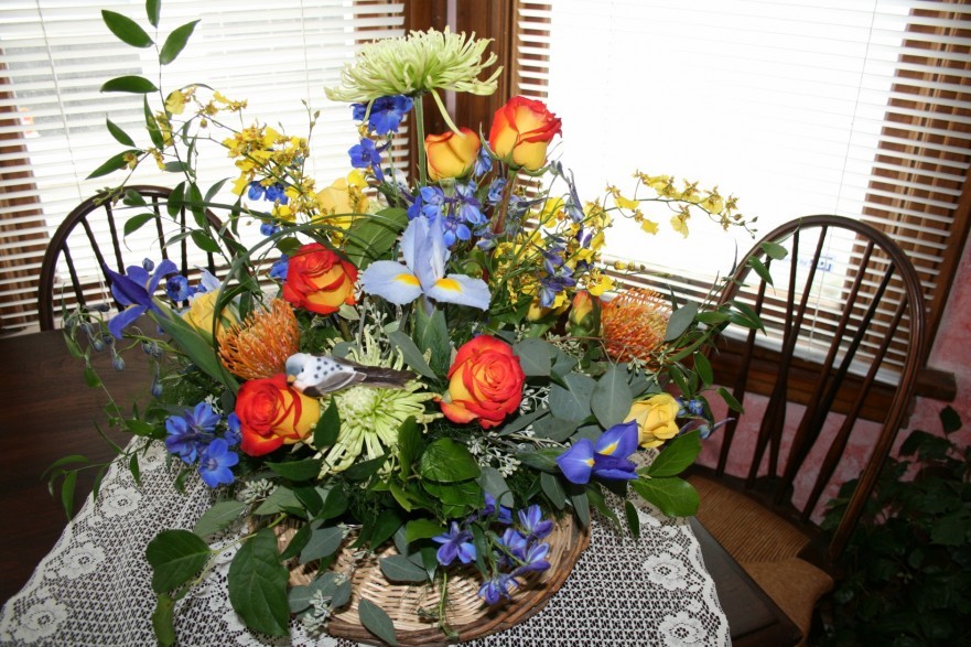 1724 SPRINGS IN BLOOM ARRANGEMENT