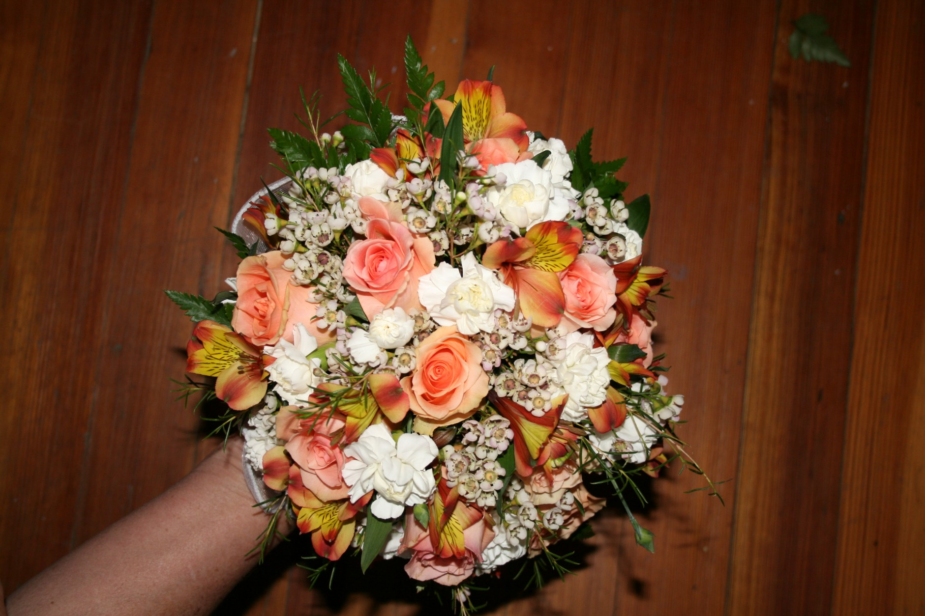 PEACH ROSES & WHITE MINI CARN BOUQUET