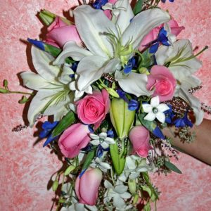 CASCADING BOUQUET BRIDE