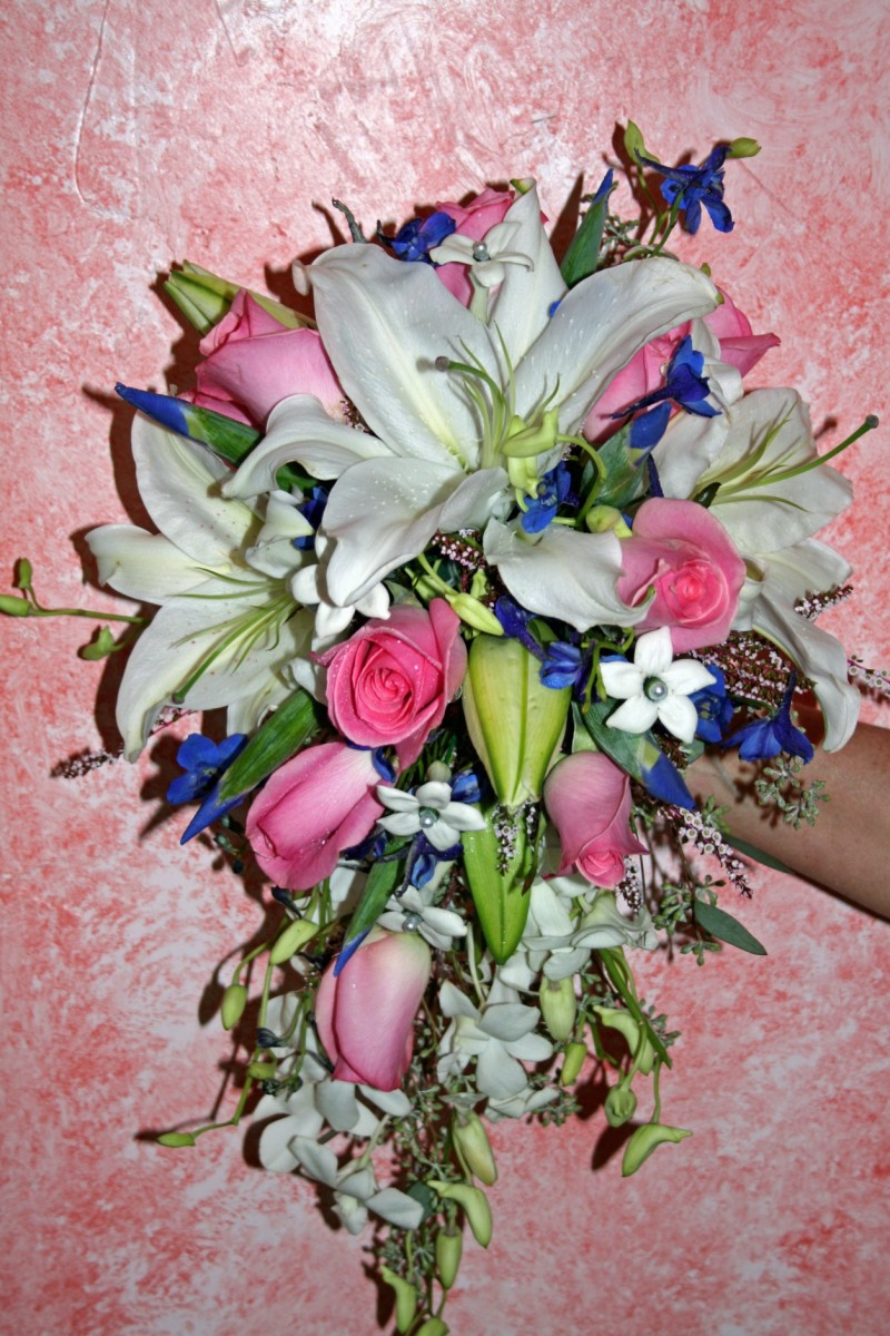 1001 BRIDES BOUQUET WHITE ORIENTAL LILY & PINK ROSES