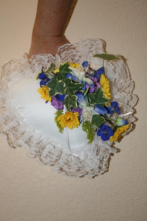 978 SUNFLOWER RING BEARER PILLOW