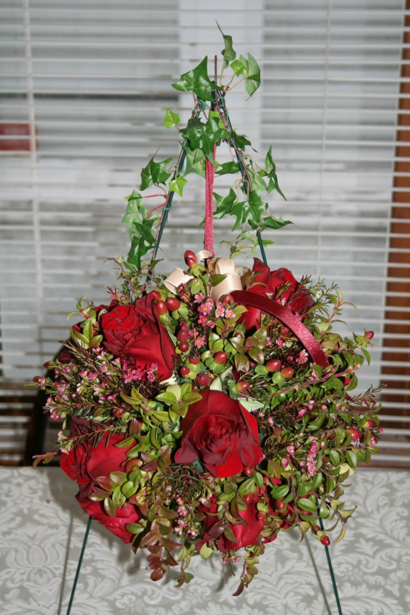 1339 RED ROSE KISSING BALL WITH HYPERICUM BERRY