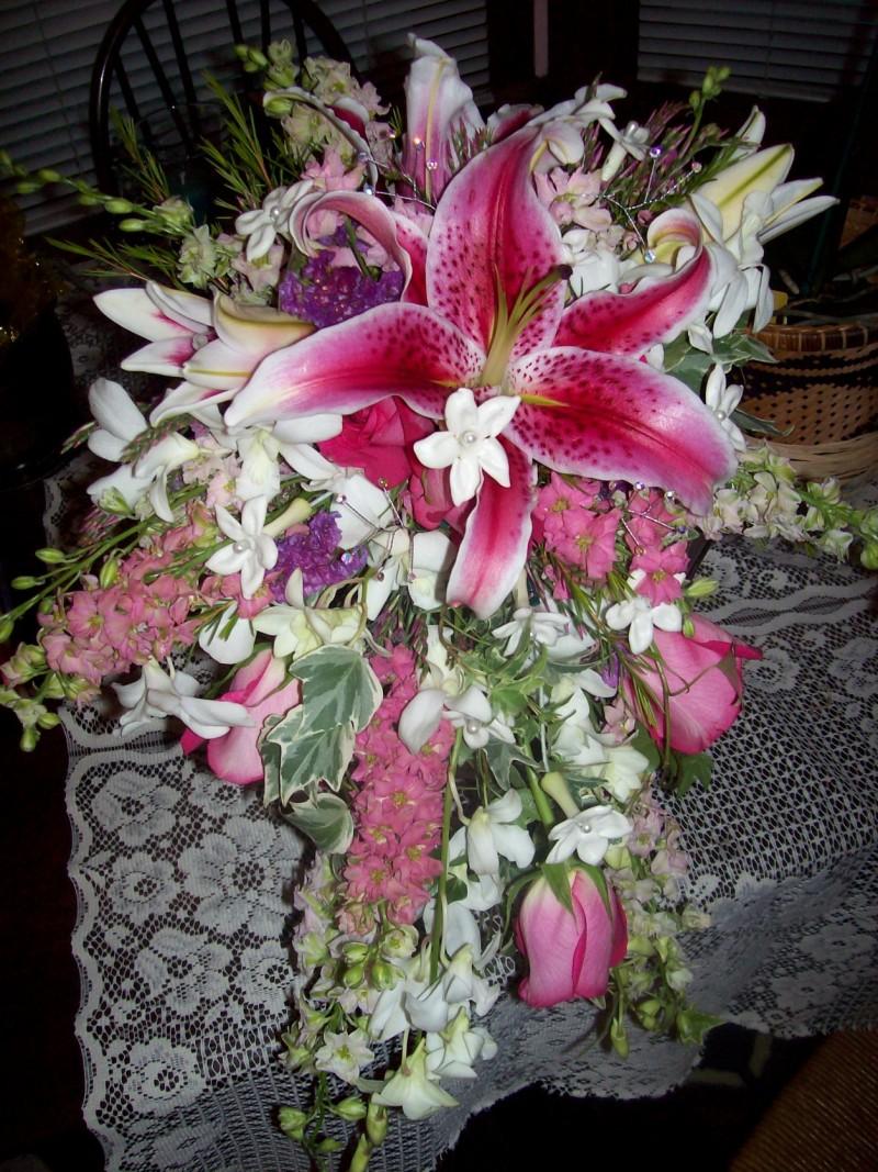 972 BRIDES BOUQUET CASCADING PINK STARGAIZER LILY & WHITE