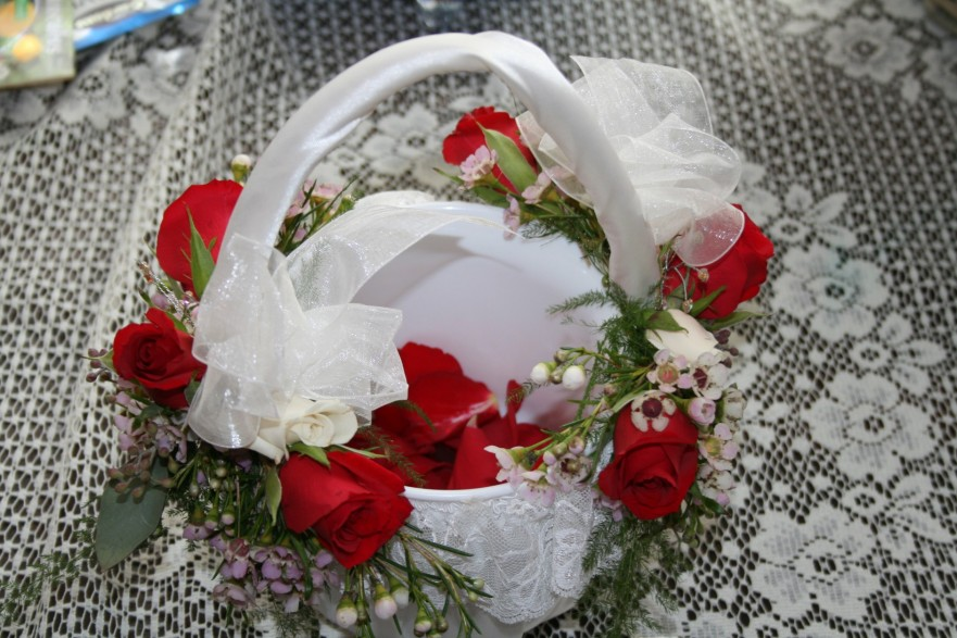 957 FLOWER GIRL BASKET