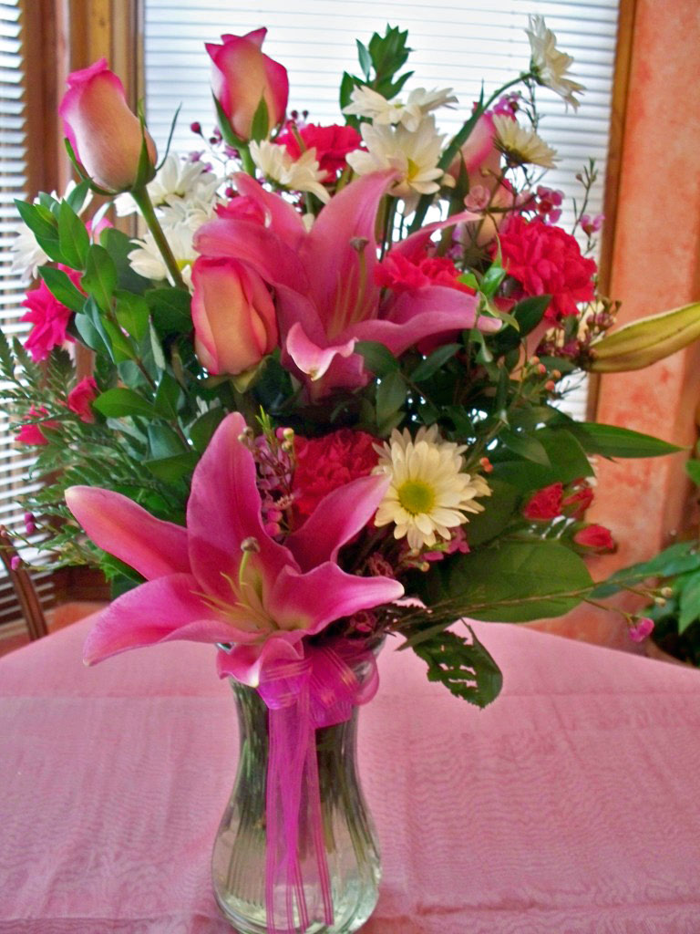 1533 IN THE PINK PINK ROSES & LILIES