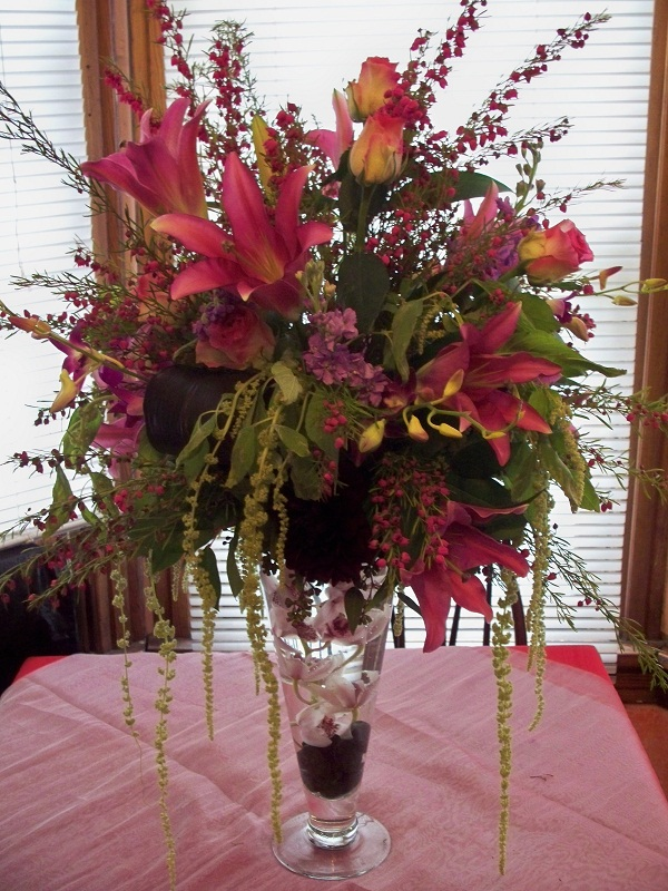 2009 TALL PINK LILY ARRANGEMENT