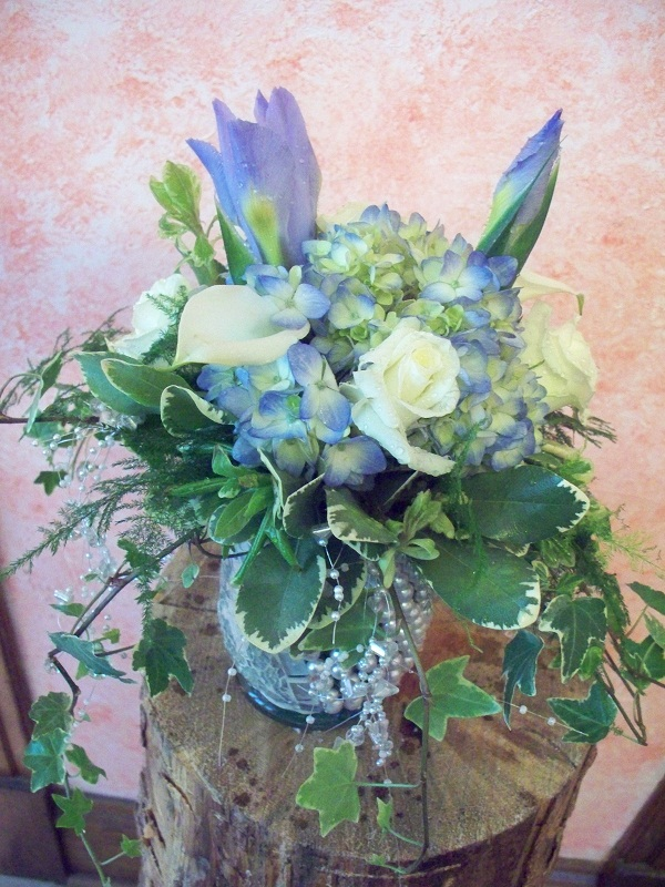 CENTER PIECE LIGHT BLUE/ WHITE
