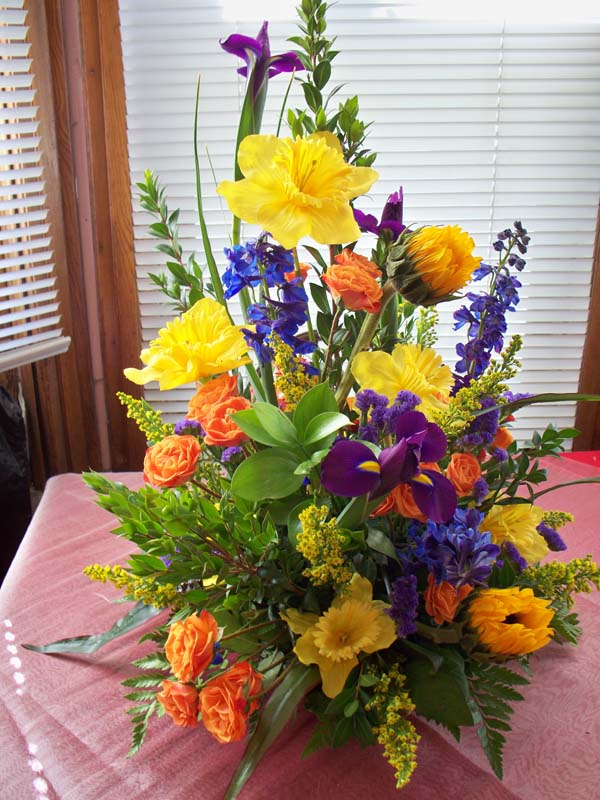 Dawns creations exotic plants flowers and gardens on colorado 2336 spring arrangement mightylinksfo