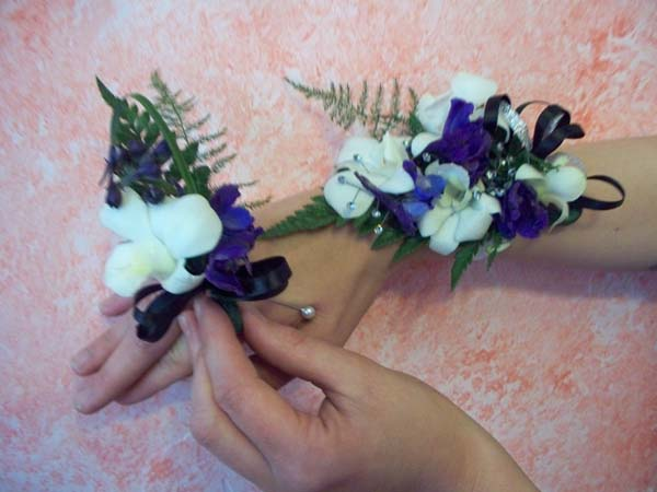 BLUE & WHITE CORSAGE & BOUTINEER