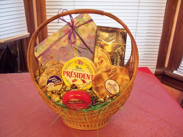 2332 CUSTOM MADE COLORADO GOODIE BASKET